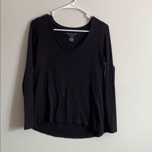 Black long sleeve v neck shirt
